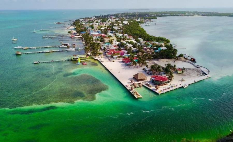 From Rainforests to Reefs - A Pristine Nature and Wildlife Tour of Belize